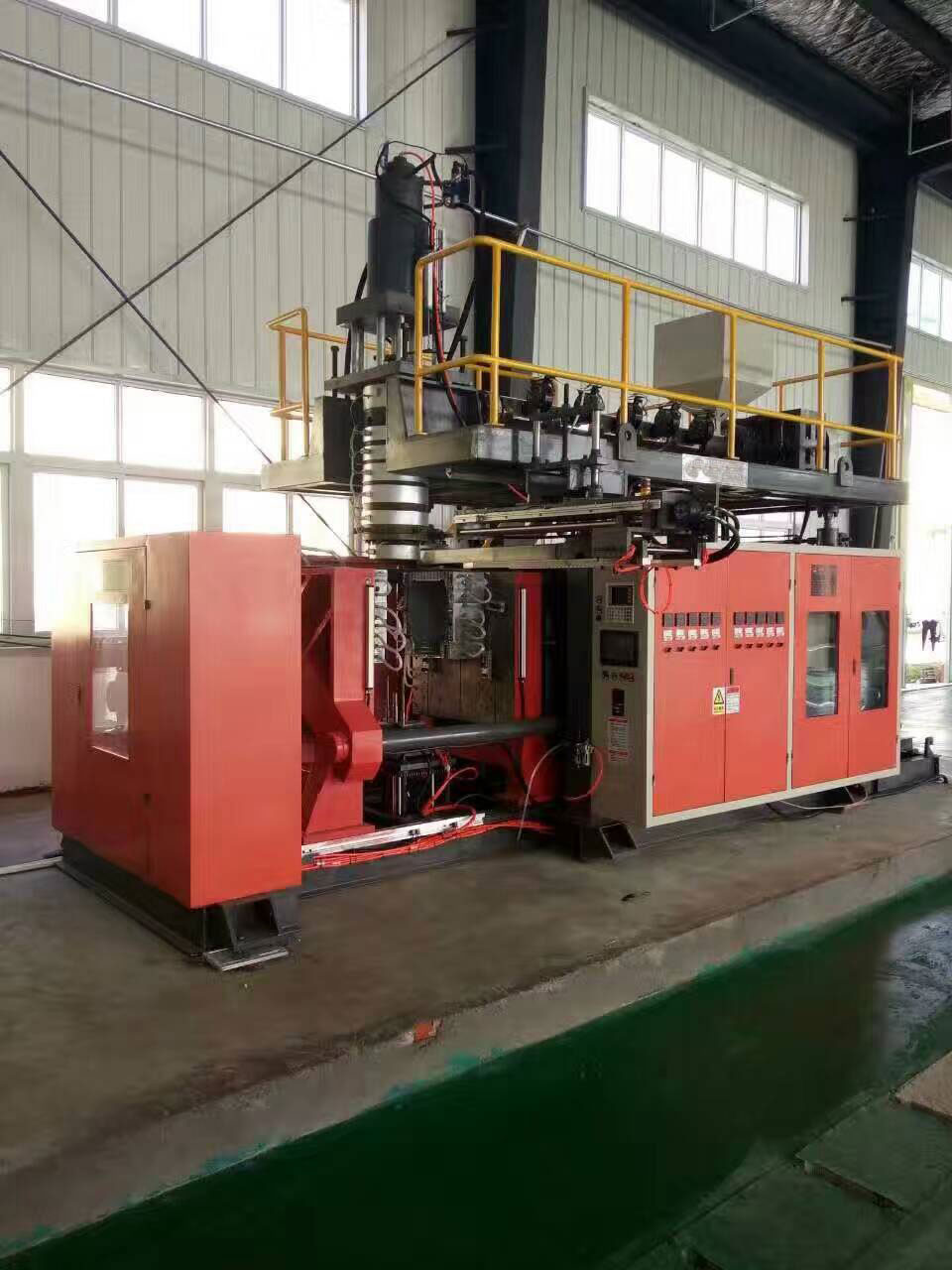 blow-molding-machine-manufacturers